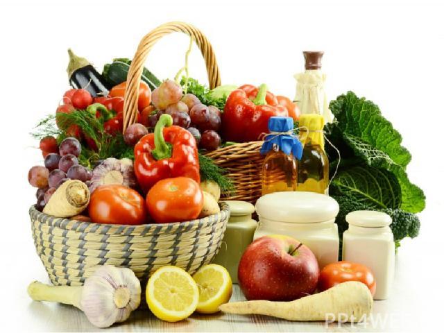 Недостаток витаминов грозит: ухудшением зрения (витамин А), переутомлением и депрессией (витамин В), снижением функции половых желез (витамин Е), ухудшением свертываемости крови (витамин К), восприимчивостью к инфекциям (витамин С) и, наконец, обычн…