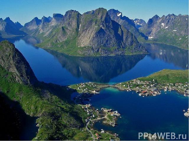 Побережье Норвегии Береговая линия Норвегии сильно изрезана узкими заливами – фьордами. Они возникли благодаря ледникам, которые, сползая медленно с гор, прорезали в скалах глубокие ущелья, заполнявшиеся морской водой. Фьорды представляют грандиозно…