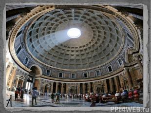 В Пантеоне погребены некоторые известные люди Италии, в частности, в одной из бо